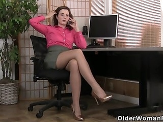 milf mature An older woman means fun part 108