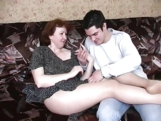 hairy amateur Russian mature mom in pantyhose and her boy! Amateur!
